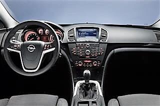 Inchirieri auto Opel Insignia