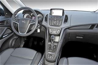 Inchirieri auto Opel Zafira Tourer (5/7 locuri)